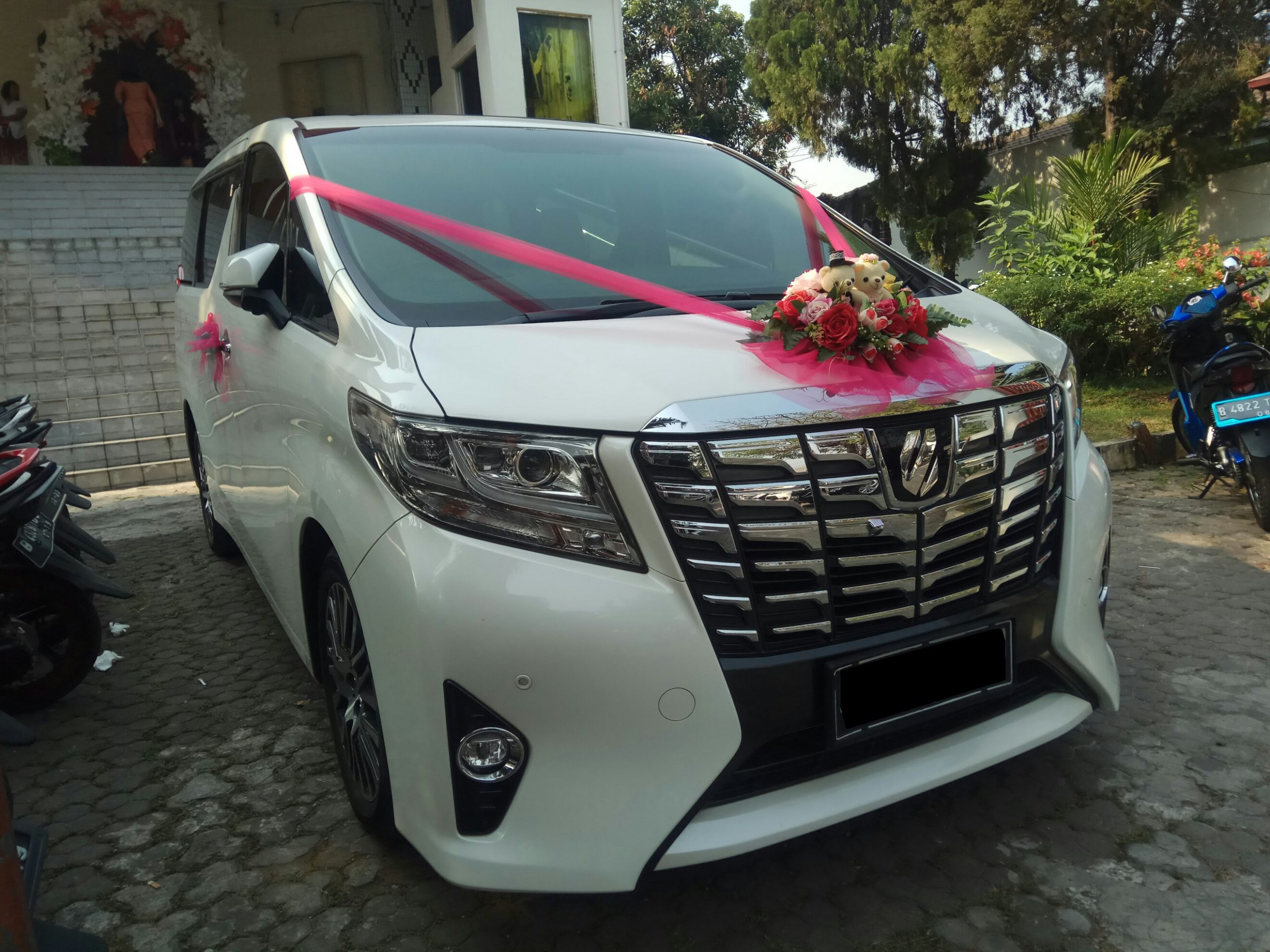 Apakah Penting Menyewa Wedding Car di Acara Pernikahan? Ini Jawabannya!